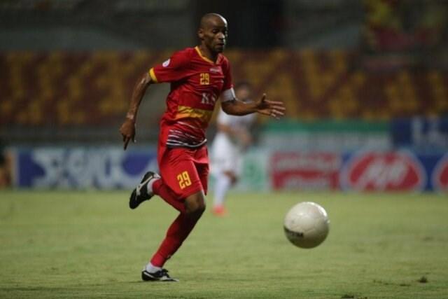 شیمبا رکورد دار بیشترین بازی در بین بازیکنان خارجی لیگ